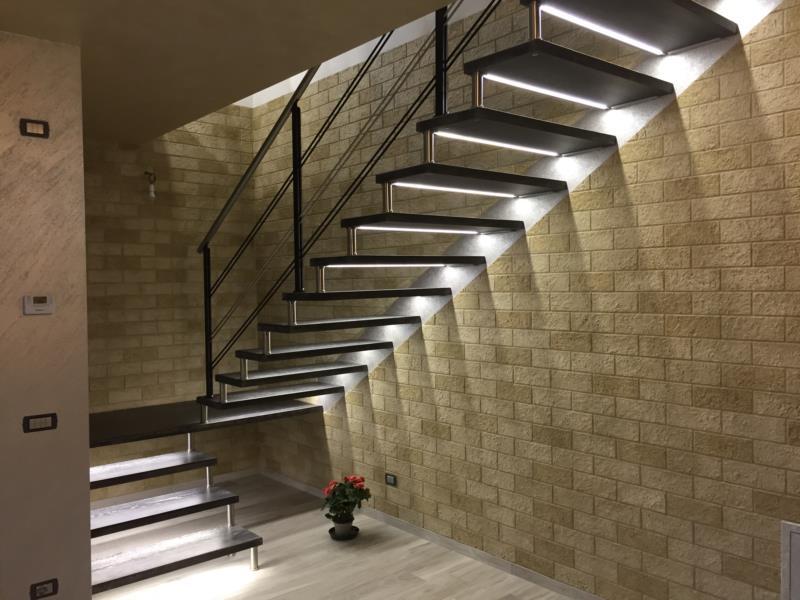 Danieli scale legnaro padova venezia veneto for Segnapasso led per scale interne
