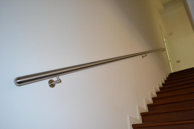 Corrimano inox prezzi termosifoni in ghisa scheda tecnica - Corrimano a muro per scale interne ...
