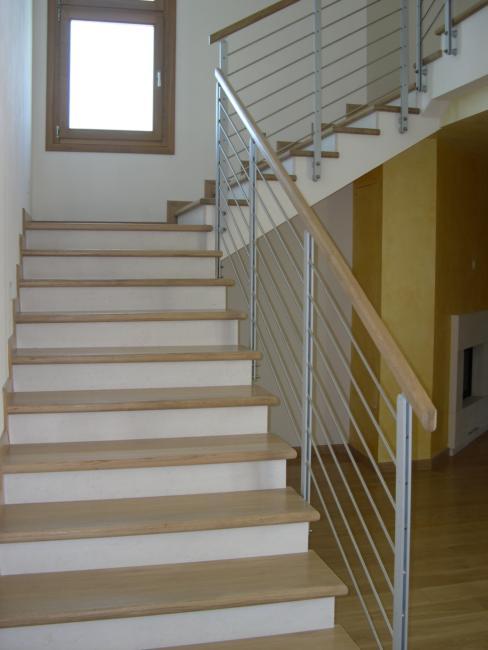 Rivestimento in rovere con alzata in marno rivestimenti scala a rivestimenti d m d scale - Rivestimenti scale interne in legno ...