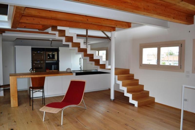 Scala in legno rovere massello con doppia struttura in metallo scale con struttura in ferro - Struttura in ferro per casa ...